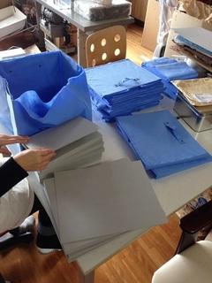 厚紙入れ作業