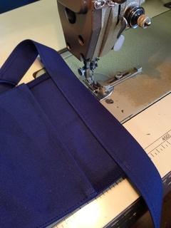 ポケット部分を縫製