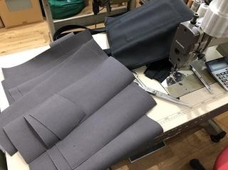 180425_ 手裁断が終わり縫製加工