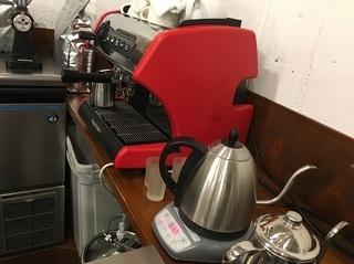 マスターこだわりのコーヒー作ります
